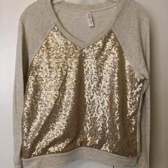 Xhilaration Tops - Comfort and Glamour in 1 sweatshirt